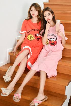 可爱的卡通设计长裙,闺蜜的好选择 面料柔软舒适 l 80-100斤 xl 100