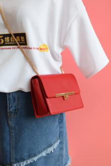 明星同款女包包2017新款韩版斜挎包百搭迷你链条小方包单肩包$49-