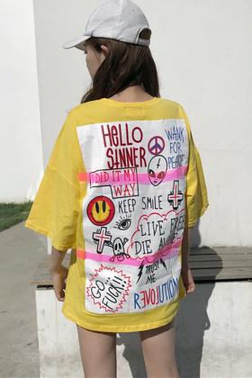 手绘涂鸦t恤女夏搭配图片 手绘涂鸦t恤女夏怎么搭配 手绘涂鸦t恤女夏如何搭配 爱蘑菇街