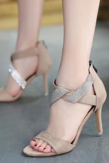 羊皮尖头凉鞋