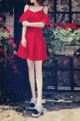 荷叶袖连衣裙夏搭配图片 荷叶袖连衣裙夏怎么搭配 荷叶袖连衣裙夏如何搭配 爱蘑菇街