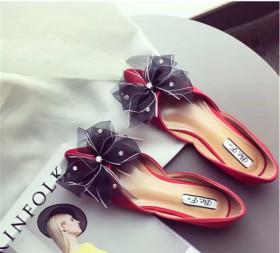 大蝴蝶结豆豆鞋搭配图片 大蝴蝶结豆豆鞋怎么搭配 大蝴蝶结豆豆鞋如
