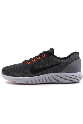 nike登月跑步鞋搭配图片 nike登月跑步鞋怎么搭配 nike登月跑步鞋如何搭配 爱蘑菇街