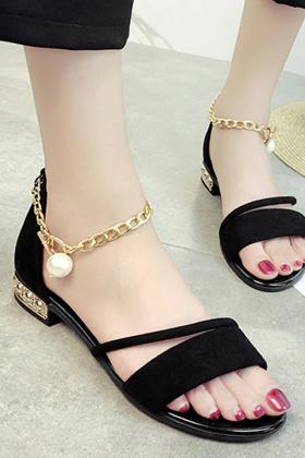 平底凉鞋罗马鞋搭配图片 平底凉鞋罗马鞋怎么搭配 平底凉鞋罗马鞋如何搭配 爱蘑菇街