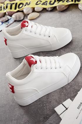 内增高女单鞋小白鞋搭配图片_内增高女单鞋小
