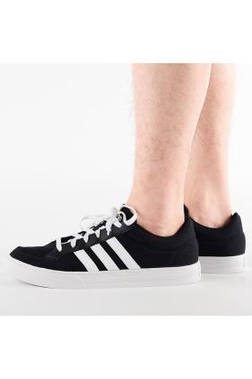 阿迪达斯男鞋板鞋秋搭配图片 阿迪达斯男鞋板鞋秋怎么搭配 阿迪达斯男鞋板鞋秋如何搭配 爱蘑菇街