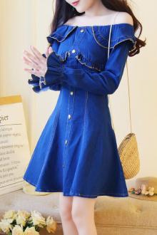 蓝色娃娃领中裙