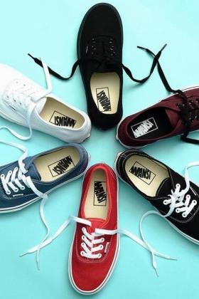 vans红色板鞋男搭配图片 vans红色板鞋男怎么搭配 vans红色板鞋男如何搭配 爱蘑菇街