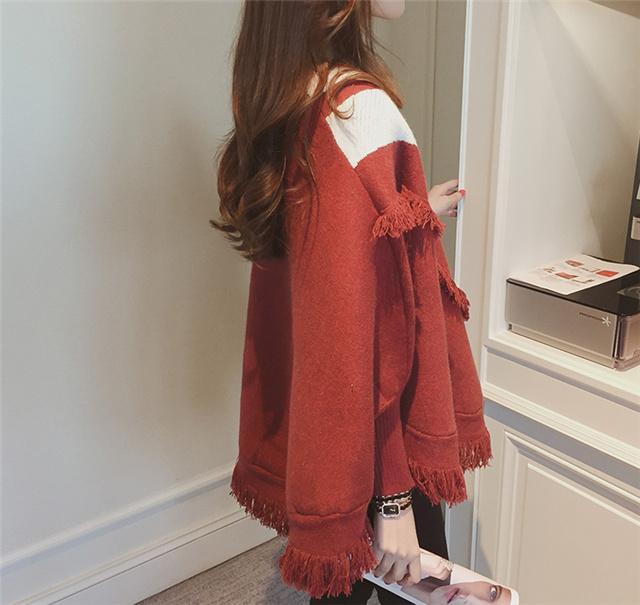菲思婧 秋装新款条纹大v领蝙蝠袖针织衫女宽松套头短款长袖流苏毛衣