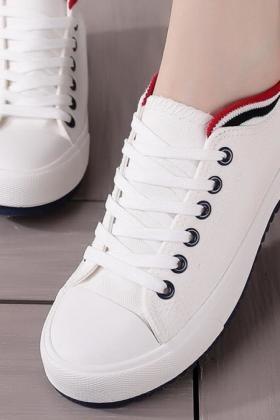 平跟小黑鞋搭配图片_平跟小黑鞋怎么搭配_平