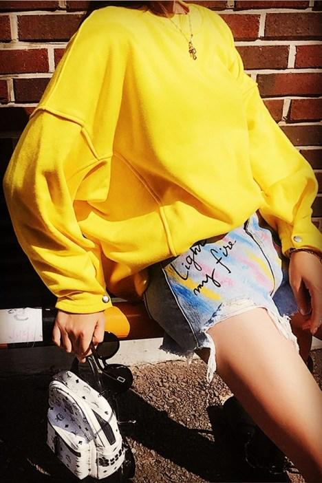 黄色干女学生_新款秋季套头慵懒小清新泡泡袖黄色卫衣女学生宽松纯色上衣外套潮