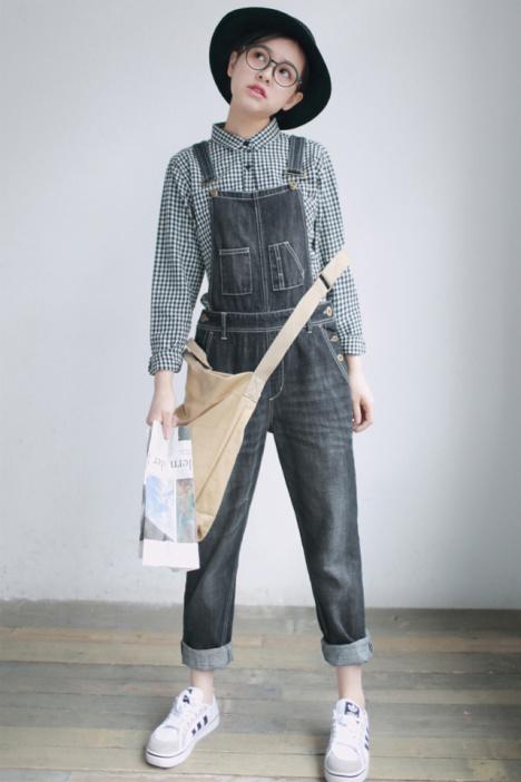 秋黑白格子长袖衬衫黑色牛仔裤背带裤女宽松牛仔裤休闲裤时尚套装