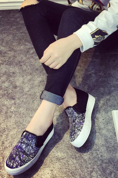 女鞋 帆布鞋 女鞋 服饰鞋包 唯美足迹 蘑菇街优店图片