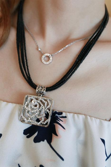 韩国韩版玫瑰花锁骨链简约百搭五角星米珠短款项链首饰品女