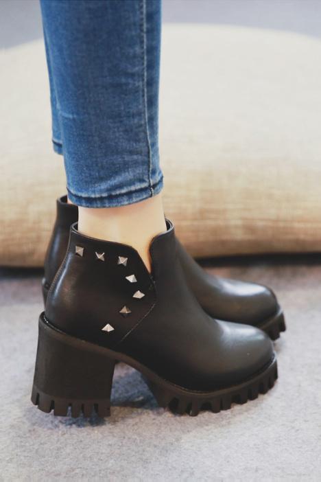 短靴,圆头鞋,防水台,高跟短靴,粗跟鞋