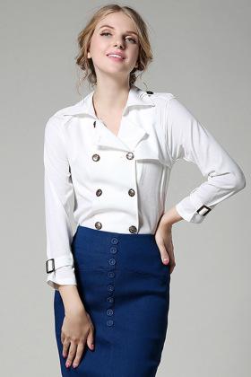 欧式复古双排扣设计,很个性的西装领,袖口带扣设计,中性风格的帅气