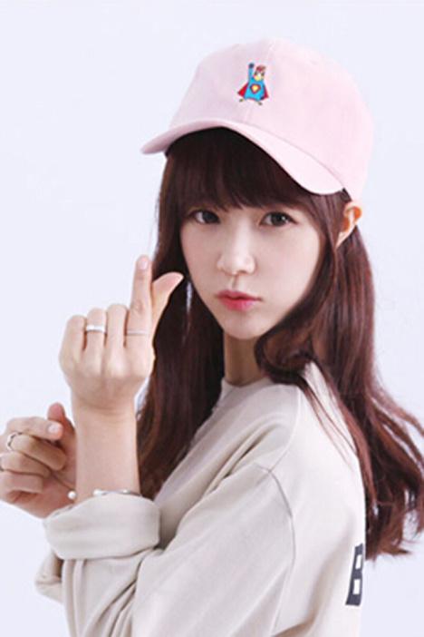 【夏天鸭舌帽子女生韩国可爱卡通超人刺绣弯檐棒球帽