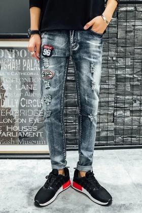 冬款破洞牛仔裤搭配图片 冬款破洞牛仔裤怎么搭配 冬款破洞牛仔裤如何搭配 爱蘑菇街