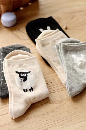 韩版袜子女中筒袜搭配图片_韩版袜子女中筒袜