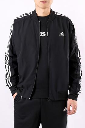 阿迪达斯运动夹克外套男搭配图片 阿迪达斯运动夹克外套男怎么搭配 阿迪达斯运动夹克外套男如何搭配 爱蘑菇街