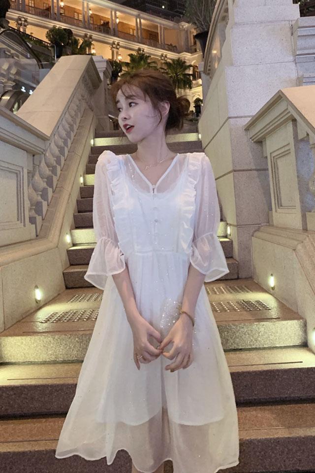 v领蕾丝连衣裙2019夏季流行女装超仙高腰显瘦甜美连衣裙子