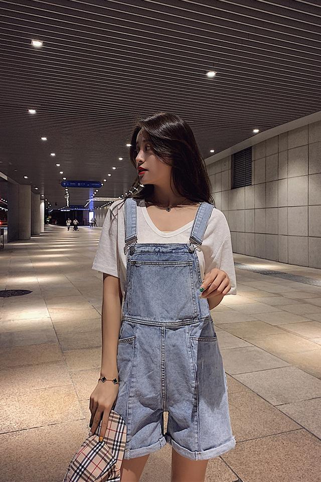 夏季新款2019韩版宽松减龄背带牛仔短裤学生休闲直筒阔腿裤女